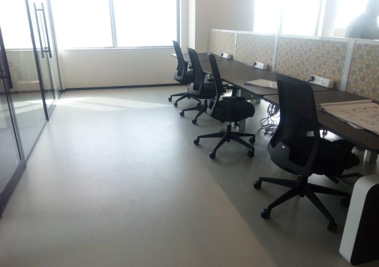 Splunk self-leveling flooring